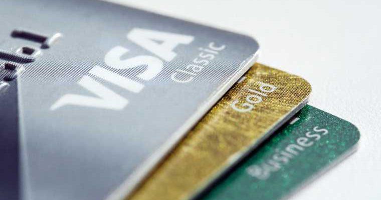 Мошенники придумали новую схему обмана россиян с кредитками