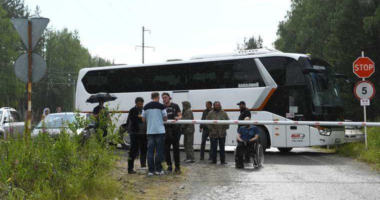 Сторонники отца Сергия перекрыли подъезд к его монастырю. ФОТО, ВИДЕО