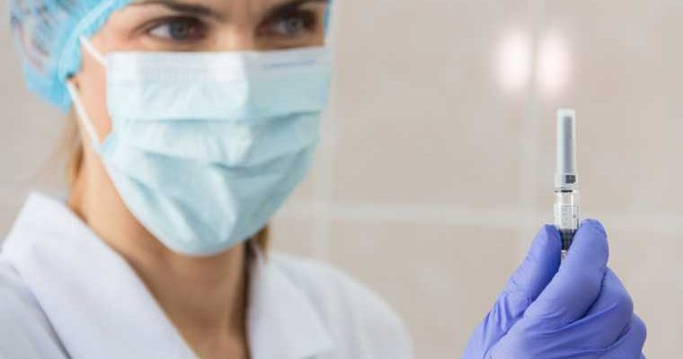 Глава Сербии захотел получить российскую вакцину от коронавируса