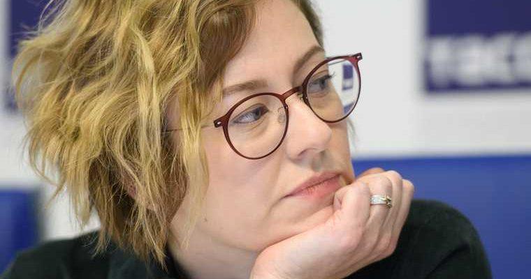 Комиссар уральской биеннале Прудникова попала в скандал. Художники обвинили ее в обмане