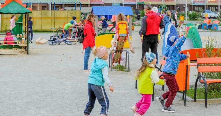 Мэрия челябинского города снесла детскую площадку. Ее построил бизнесмен из пула Дубровского