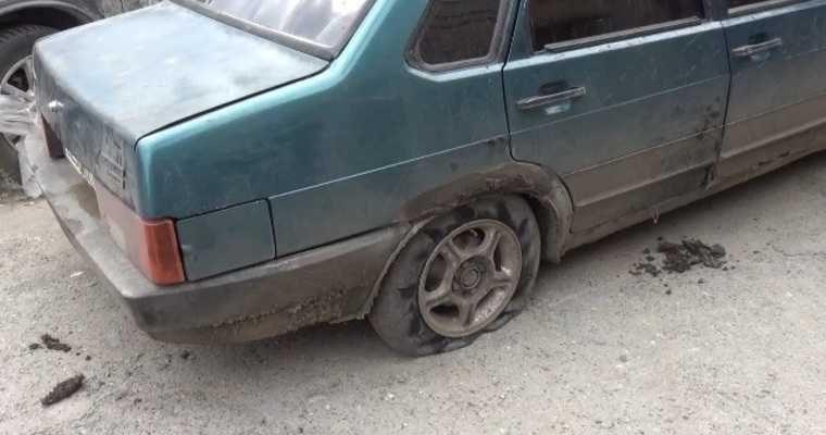 Свердловские гаишники со стрельбой ловили нарушителя. В машине оказались пьяные подростки. ВИДЕО