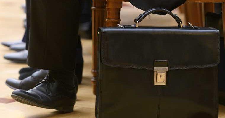 Пять губернаторов рискуют лишиться своих постов уже всентябре