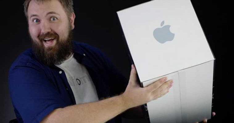 Блогера Wylsacom осудили за радужный ремешок для Apple Watch. «Браслет гейский»