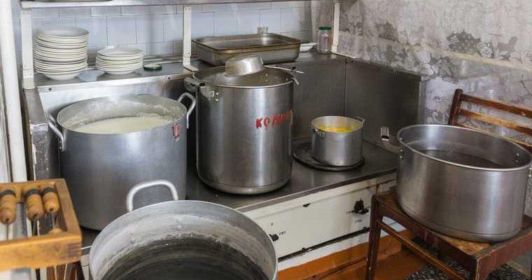 После публикации URA.RU в тюменские школы завезли продукты