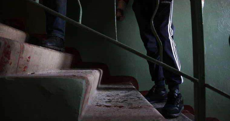 Просившего Путина о помощи инвалида из ЯНАО выселяют из квартиры