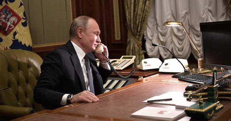 Путин обсудил с японским премьером ситуацию по Курилам