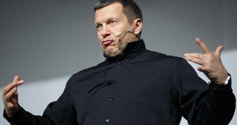 Соловьев ответил Шукшиной, требующей закрыть шоу Малахова. Скандал дошел до Путина