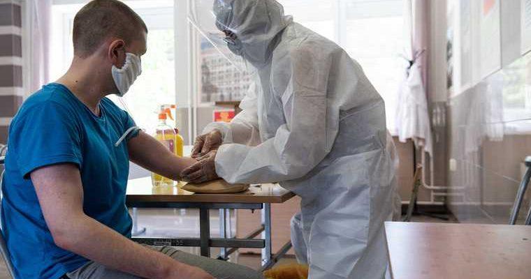 В Минздраве РФ рассказали о побочных эффектах вакцины от COVID