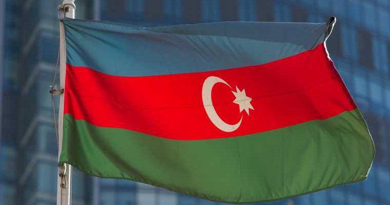 Глава Азербайджана назвал условие прекращения войны в Карабахе