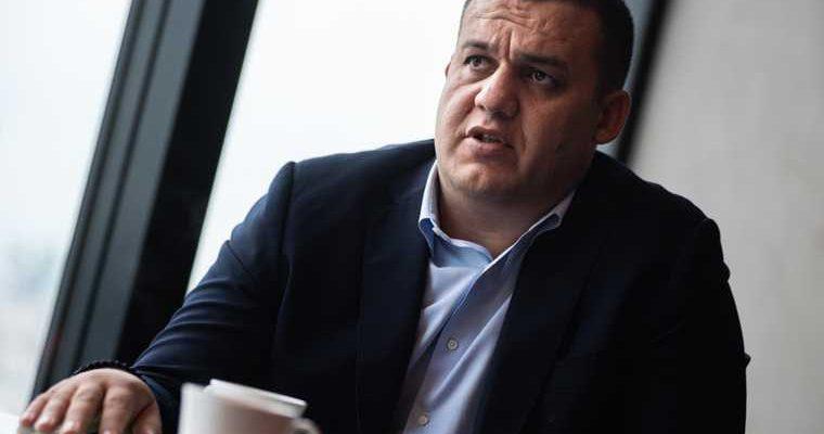 Глава Федерации бокса России стал блогером. Среди первых героев его проекта — губернатор. Видео