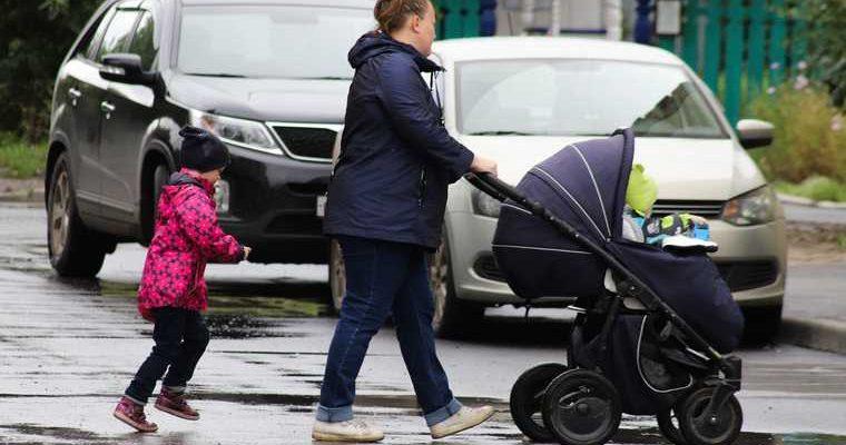 Российские семьи могут получить в этом году семь детских выплат
