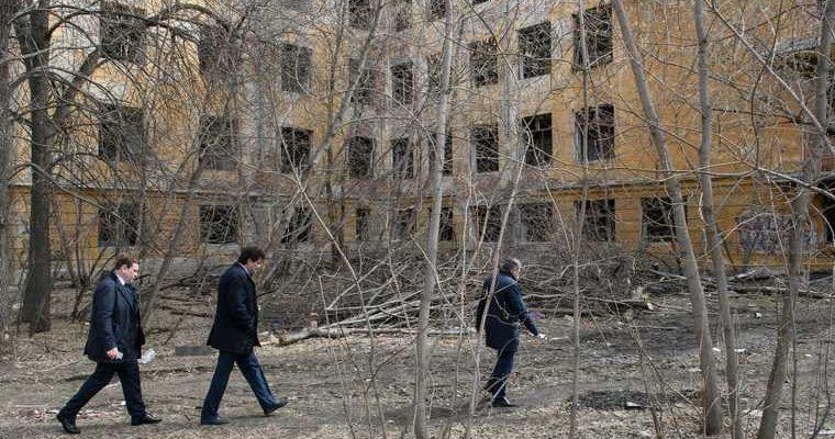 Губернатор раскрыл судьбу заброшенной больницы в Екатеринбурге