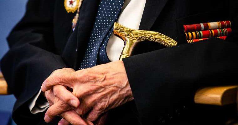 Миллионам пенсионеров разрешат не платить долги. Условия