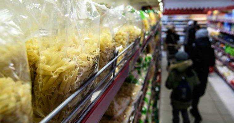 Экономисты: правительство не сможет сдержать рост цен на продукты. Это приведет к дефициту