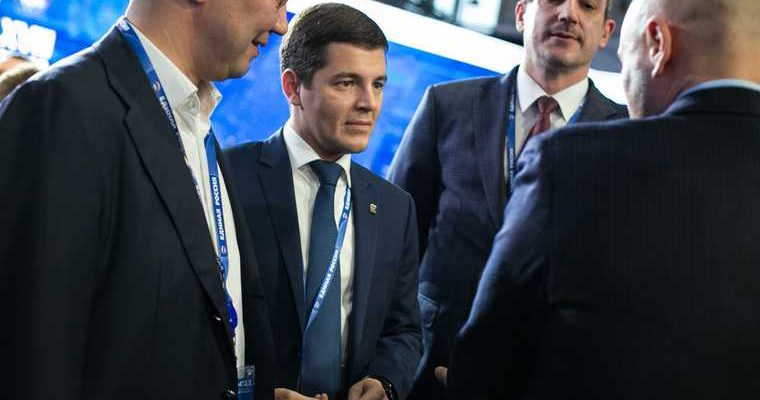 Губернатора ЯНАО познакомили с новым главой УФСИН