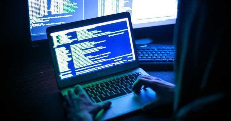 Пенсионеры будут беззащитны перед мошенниками из-за идеи ОНФ. Предупреждение киберэкспертов