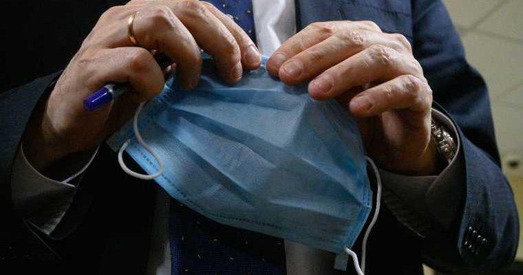 Привитым от коронавируса сахалинцам разрешат не носить маски