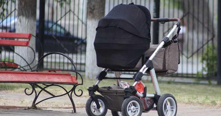 В России хотят запретить суррогатное материнство неженатым