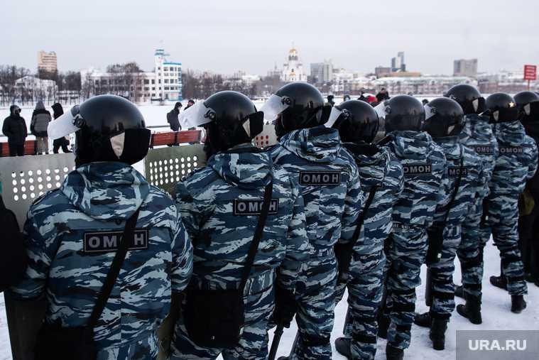протесты нападение на полицейских суд штраф наказание какое юристы